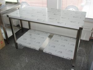 radni-stol-ugostiteljski-slika-4514004